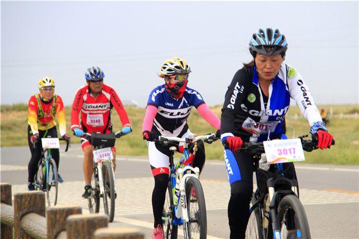 国际自行车8天川藏极限挑战赛开...